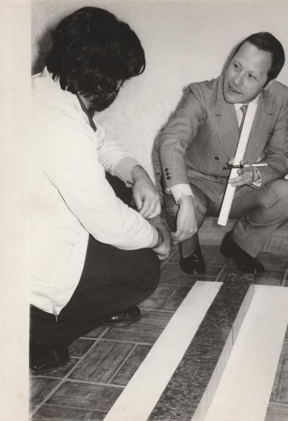 1971-Galleria Gap- Innocente con il prof Carandente